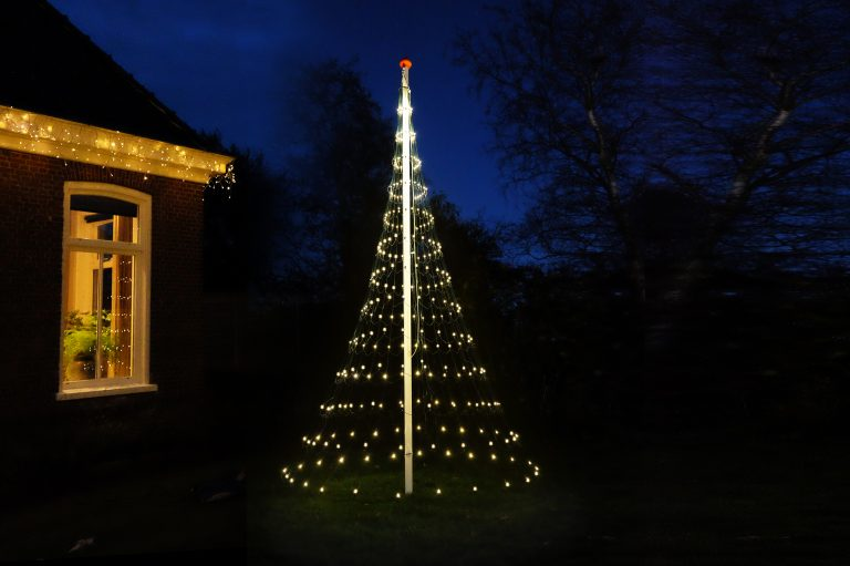 vlaggenmast-kerstverlichting-glowtree-400LED